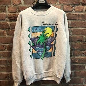 Vintage Hipster Sweatshirt Bermuda Graphic